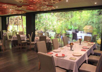 Mesas del Restaurante Raza 7 en Madrid (Barajas)