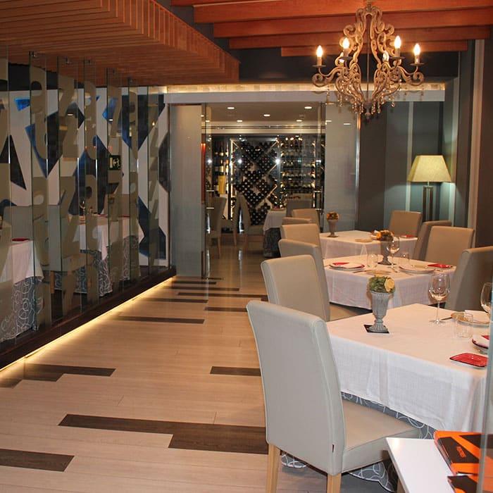 Pasillo del Restaurante Raza 7 en Madrid (Barajas)
